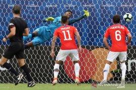 Chile hadapi dilema mainkan Sanchez atau  tidak lawan Uruguay