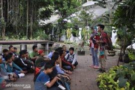 Pengunjung Kebun Raya Bogor anjlok akibat kelangkaan tempat parkir