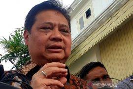 Tiga tokoh Golkar dukung Airlangga jabat Ketua Umum
