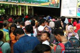 Gubernur Sutarmidji tambah daya tampung sekolah terkait aturan zonasi