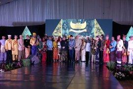 Sultan dan Raja Keraton Nusantara berhalal bihalal dan bahas pemajuan budaya