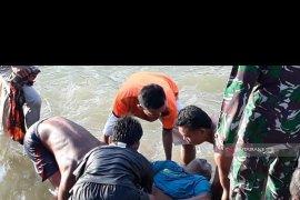 Mobil travel masuk sungai, 1 orang meninggal 2 lagi dalam pencarian
