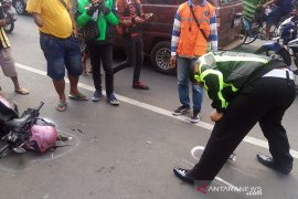 Satu orang meninggal dunia dalam kecelakaan beruntun