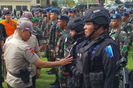 Polda Sumsel kirim bantuan personel atasi kebakaran lahan tol Indralaya