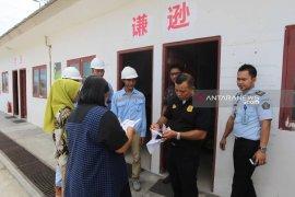 Sembilan pekerja China lari saat razia imigrasi