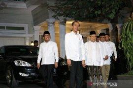 Cawapres Ma'ruf Amin antar Jokowi menuju Bandara Halim Perdanakusuma