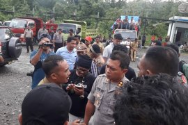 Demonstran tuntut PT NHM cairkan bantuan dana