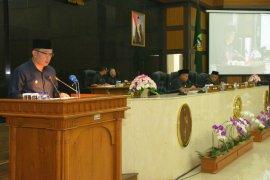 Gubernur Jabar sampaikan Nota Pengantar Raperda Pelaksanaan APBD 2018