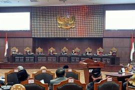 Suasana ruang sidang MK 'cair' usai putusan majelis hakim