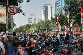 Jalan Medan Merdeka Selatan jadi lahan parkir liar