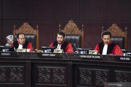 MK putuskan menolak seluruh permohonan Prabowo-Sandi