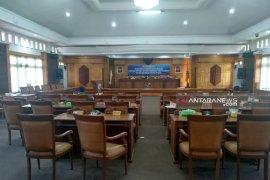 Paripurna DPRD Kabupaten Mempawah diskors karena tidak kuorum