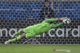 Brazil butuh adu penalti untuk lewati 10 pemain Paraguay ke  semifinal