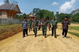 Tim Wasev Ster TNI cek progres pembangunan rumah SAD di Sarolangun