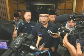 Ridwan Kamil: tidak ada alasan bupati menolak kereta cepat Jakarta-Bandung