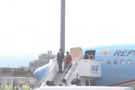 Presiden Joko Widodo tiba di Osaka Jepang
