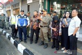 Satpol PP Garut tidak akan negosiasi untuk menertibkan PKL