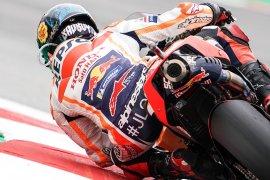 Pebalap Lorenzo akan gunakan komponen motor baru