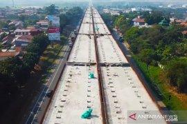 Jalan tol layang Jakarta-Cikampek ditargetkan selesai pembangunannya pada September