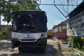 Bus wisatawan di Belitung alami kecelakaan tunggal