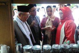 Menteri BUMN salut santri bina petani kopi