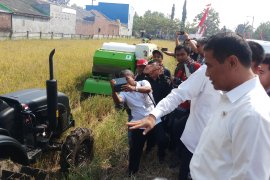Mekanisasi pertanian mampu menurunkan biaya produksi