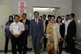 Presiden Jokowi besuk Risma di RSUD Soetomo Surabaya