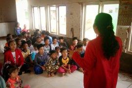 Pustaka Ceria ajarkan membaca dan menulis anak daerah terpencil di Bogor
