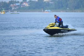 Pacu jetski, Fasha bermanuver di Danau Sipin