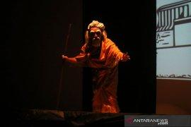 Seniman Bali-Singapura tampilkan wayang inovatif
