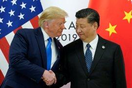Trump minta perusahaan-perusahaan Amerika minggat dari China