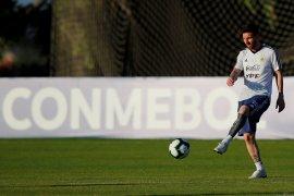 Jelang lawan Brazil, Messi siap berkorban demi tim