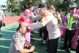 20 personel Polres Madina naik pangkat