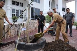 Plt Bupati Asahan minta OPD lakukan gerakan tanam pohon