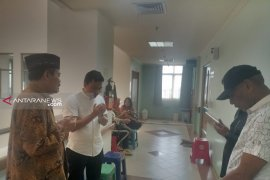 Ketua Muhammadiyah Surabaya besuk Wali Kota Risma