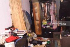 Pencuri spesialis rumah kosong di Bekasi babak belur