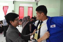 148 pekerja dilepas  ke Korea Selatan