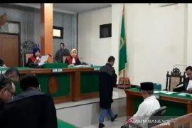 Pelawak Qomar jalani sidang perdana kasus pemalsuan dokumen
