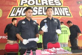 Polisi Lhokseumawe bongkar peredaran sabu dan tangkap empat pria