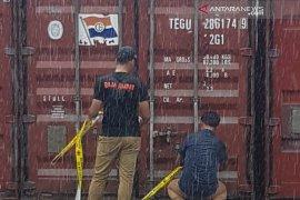 Lima kontainer kayu merbau diamankan di Sorong