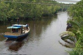 Seorang perempuan diduga derita gangguan jiwa terjun ke sungai