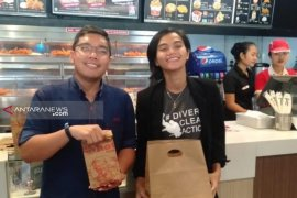 KFC Indonesia terapkan gerakan tanpa kantong plastik  di Bali, Jambi, dan Banjarmasin (video)
