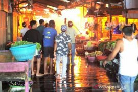 Wabup Kutai Timur serahkan bantuan korban kebakaran