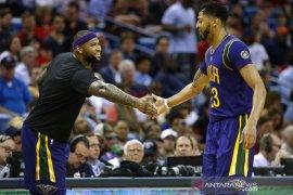 Pebasket DeMarcus Cousins ikuti jejak Davis ke Lakers