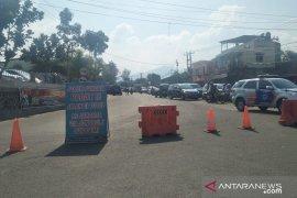 Jalur Puncak-Cianjur ditutup antisipasi arus kendaraan macet total