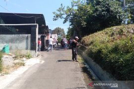 Keluarga Sutopo di Boyolali siapkan penyambutan kedatangan jenazah