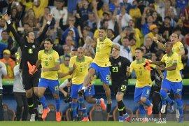 Brasil atasi Peru 3-1, tuntaskan dahaga juara 12 tahun