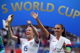 Rapinoe sabet Sepatu Emas dan Bola Emas Piala Dunia Putri 2019