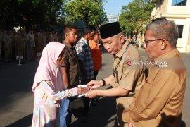 Berikut penerima bantuan korban bencana dari Pemkab HST senilai Rp53 juta