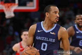 Los Angeles Lakers boyong Avery Bradley dari Grizzlies